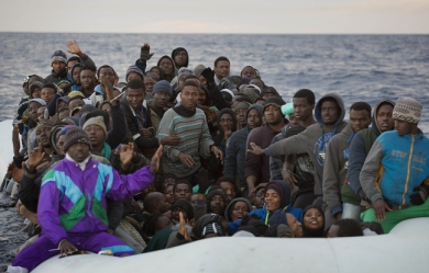 648x415_migrants-bateau-mediterranee-illustratio.jpg