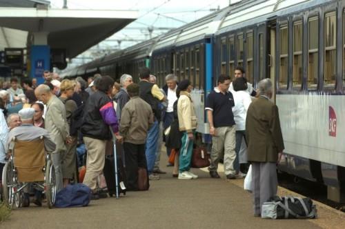 1562057_d3d6bfc6-c397-11e0-ab91-00151780182c.jpg Lourdes train.jpg