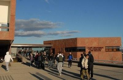 Lycée des Iscles.jpg