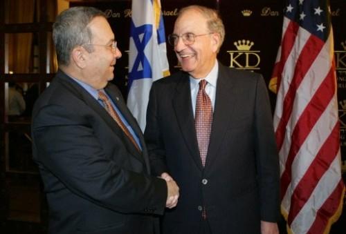 George Mitchell avec Ehud Barak, ministre de la Guerre 28 janv.jpg