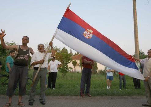 02753727.jpg Mladic supporters.jpg