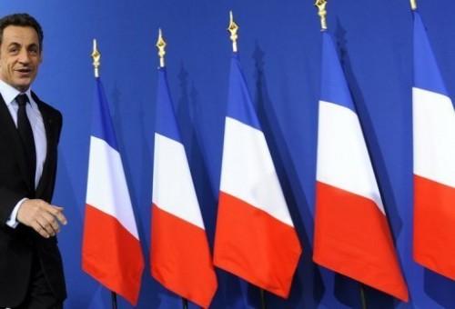 Drapeaux français et sarkozy.jpg