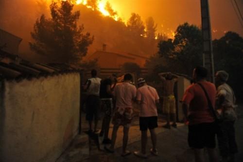 Incendie marseille 22 juillet 09.jpg