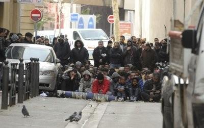 Prière s de rue Marsille.jpg