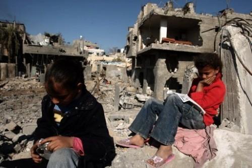 Au milieu des ruines de Gaza 22 janv 09.jpg