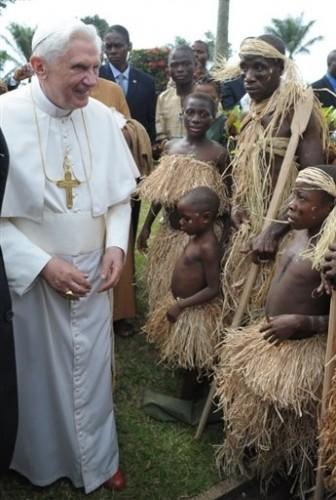 Pape à Yaoundé le 20 mars 09 -.jpg
