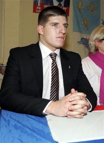 alexandre-gabriac-20-ans-est-le-benjamin-du-conseil-regional-ou-il-siege-sur-les-bancs-du-front-na.jpg