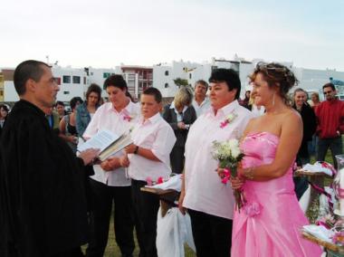 sans-titre.png mariage lesbiennnes.png