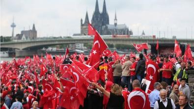 20160731-manif-cologne-erdogan-m.jpg