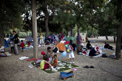 2257941.jpg migrants à Calais.jpg