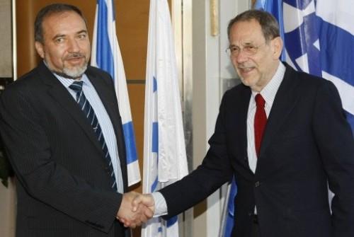 Avigdor Lieberman et javier Solana le 10 juin 09.jpg