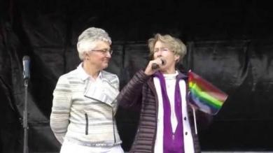 nouvelle-ministre-enfance-jeunesse-Irlande-féministe-lesbienne-ex-religieuse-e1462989980511.jpg