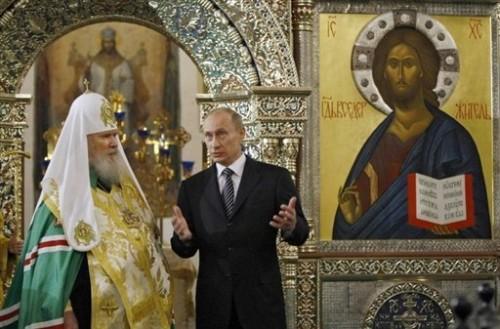 Alexis II patriarche avec Poutine monastère lec Valdaï.jpg