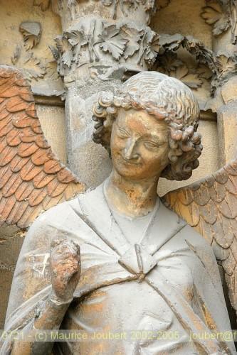 Reims L'ange au sourire.jpg
