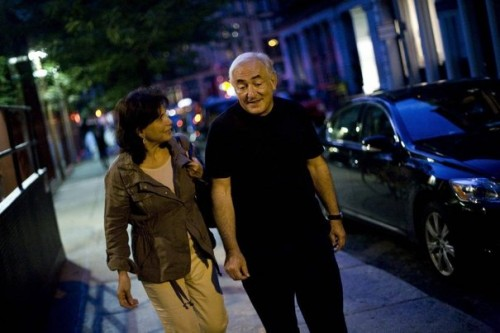 764088_former-imf-chief-strauss-kahn-and-his-wife-anne-sinclair-walk-to-catch-a-cab-in-new-york.jpg