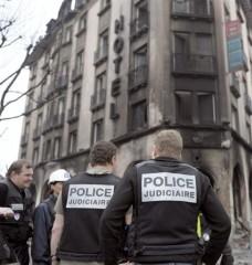 Hôtel incendié à Strasbourg - Policiers....jpg