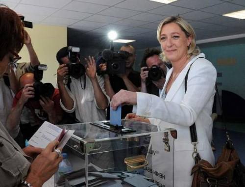 FN Marine le Pen à Hénin Beaumont 28 juin 2009.jpg