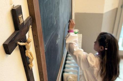 article_crucifix salle de classe en Italie.jpg