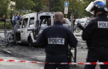 648x415_quatre-policiers-vises-attaque-cocktails-molotov-samedi-apres-midi-viry-chatillon-essonne-600x384.jpg