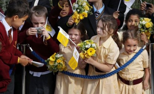 Enfants catholiques à Twickenham 17 9 10.jpg