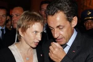 laurence-parisot-presidente-du-medef-avec-nicolas-sarkozy-300x200.jpg