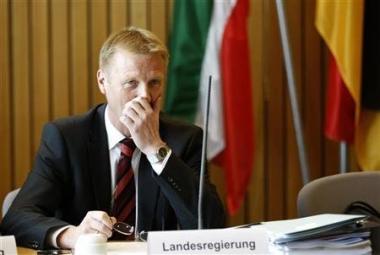 sans-titre.png Ralf Jäger all.png