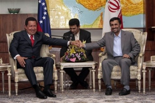 Iran Chavez et Ahmadinejad.jpg