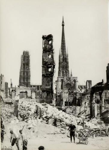 M_2009_231.jpg Rouen bombardé.jpg