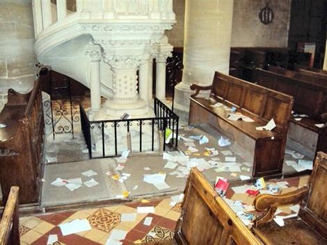 110828160825520_40_000_apx_470_.jpg église vandalisée.jpg