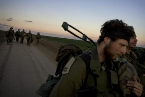 Soldats israéliens quittent la bande de gaza- 18 janv. - Le Monde.jpg