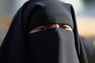 439658thumbRNSFRANCENIQAB102015.jpg niqab.jpg