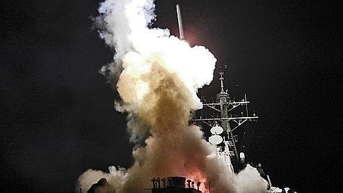 destroyer USS Barry en action samedi.jpg